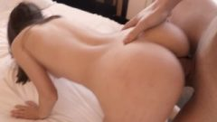 Real Passionate College Sex Ends Up With Swallowed Facial And A Smile