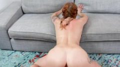 Gingerpatch – Tiny Redhead Takes Banged By Muscle Tool